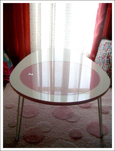 080326egg_table.jpg