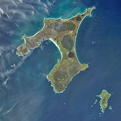 800px-Chatham_Islands_from_space_ISS005-E-15265.jpg
